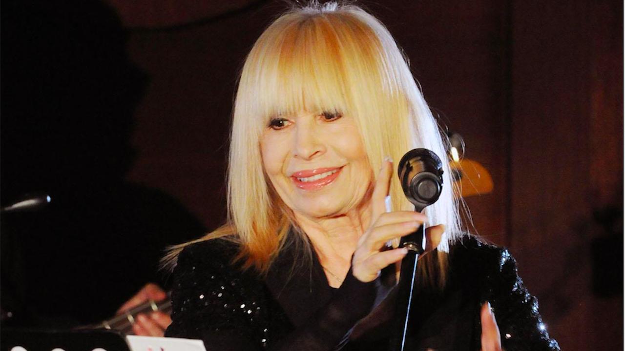 Лили Иванова онемя седмица преди първия си концерт от турнето