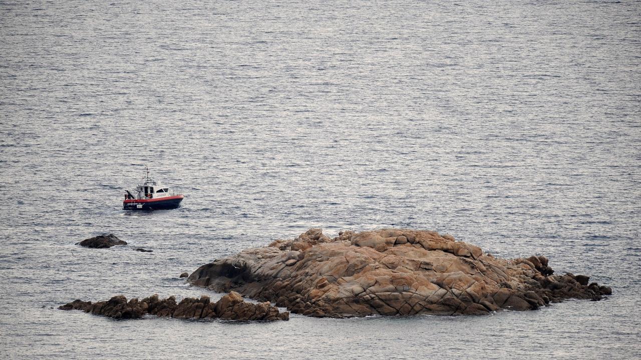 Ферибот се блъсна в скали край остров Ибиса, има пострадали