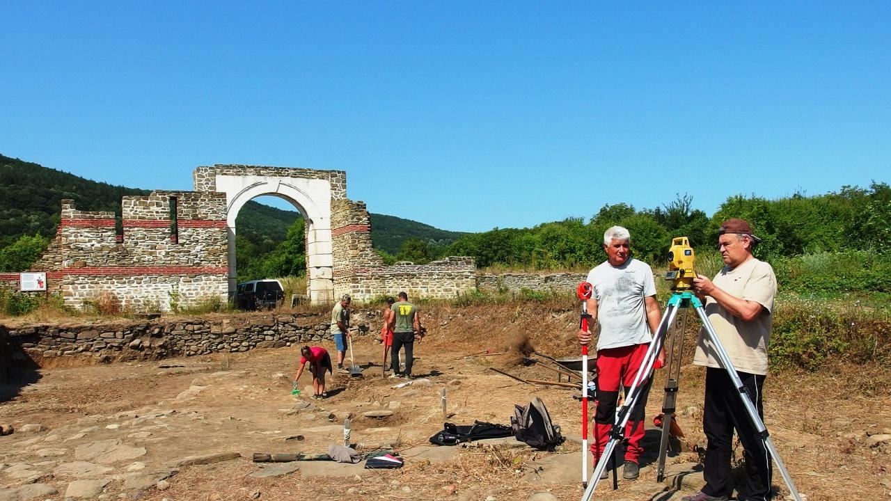 Археолози от НИМ с откритие в крепостта Состра