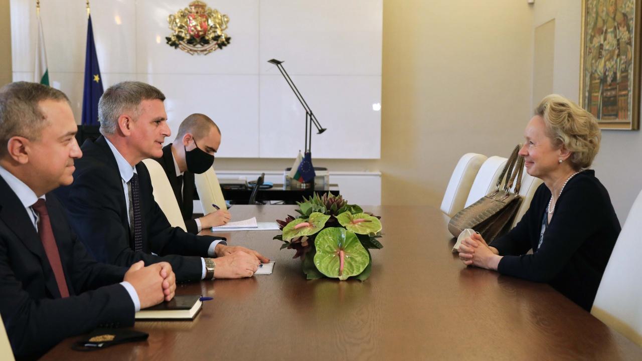 Стефан Янев се срещна с австрийския посланик Андреа Вике