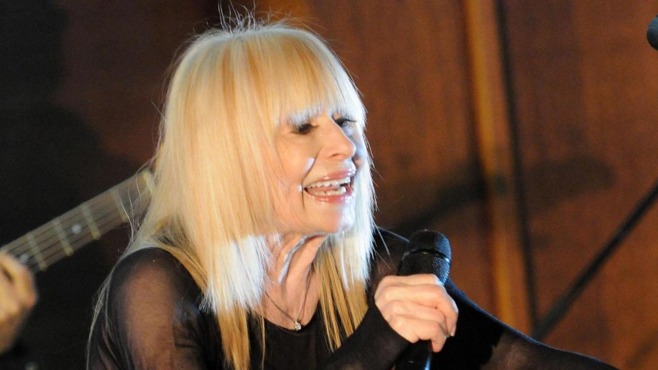 Лили Иванова пуска нов мини албум в началото на турне`2021