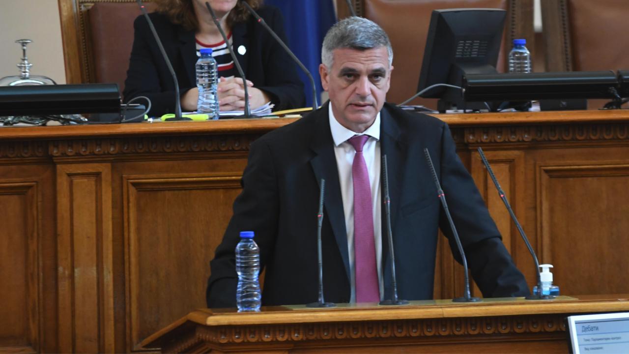 Премиер, военен и външен министри в НС за мигрантската криза: Защитата на националната сигурност е гарантирана