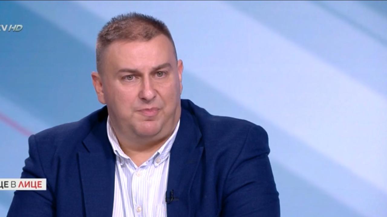 Емил Радев: България сама не може да се справи с мигрантския натиск
