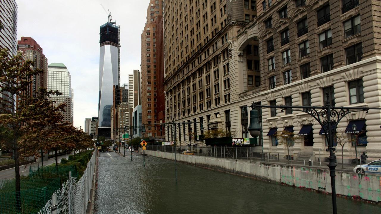 Най-малко седем души са загинали при наводнения в Ню Йорк