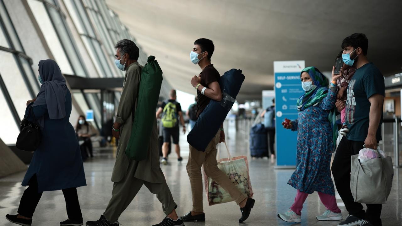 От утре летището в Кабул възстановява вътрешните полети