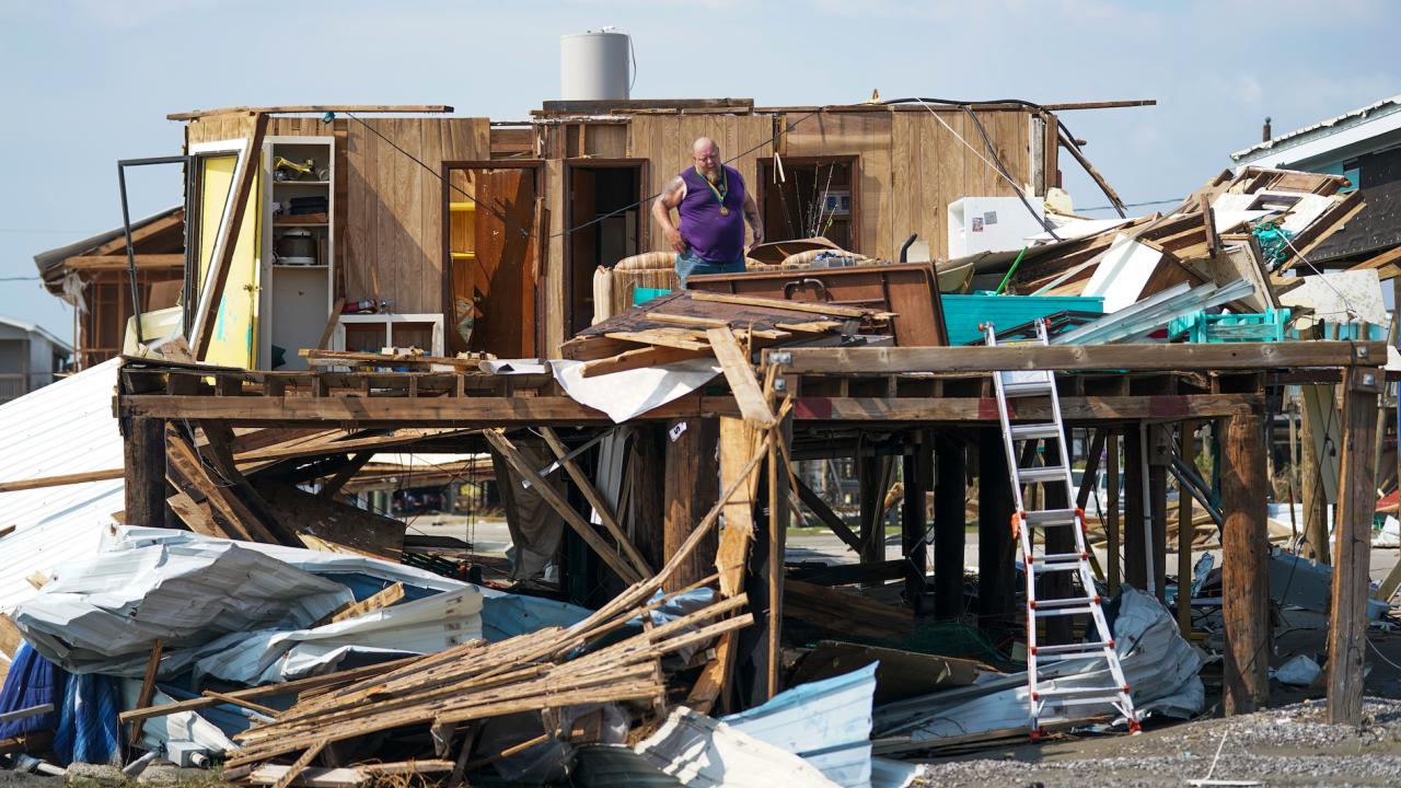 Жертвите на урагана Айда в Луизиана станаха 12