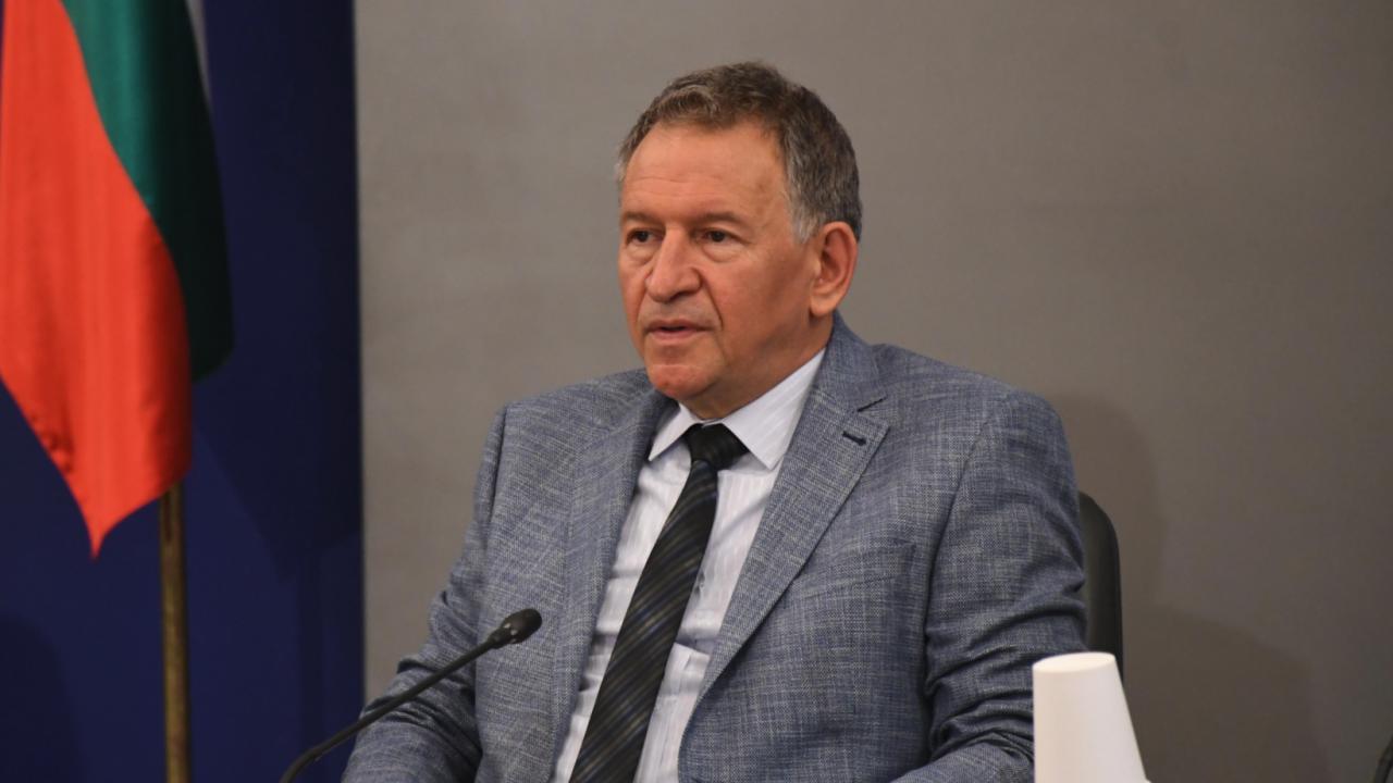 Министър Кацаров за новите мерки: Те са такива, каквито съответстват на ситуацията