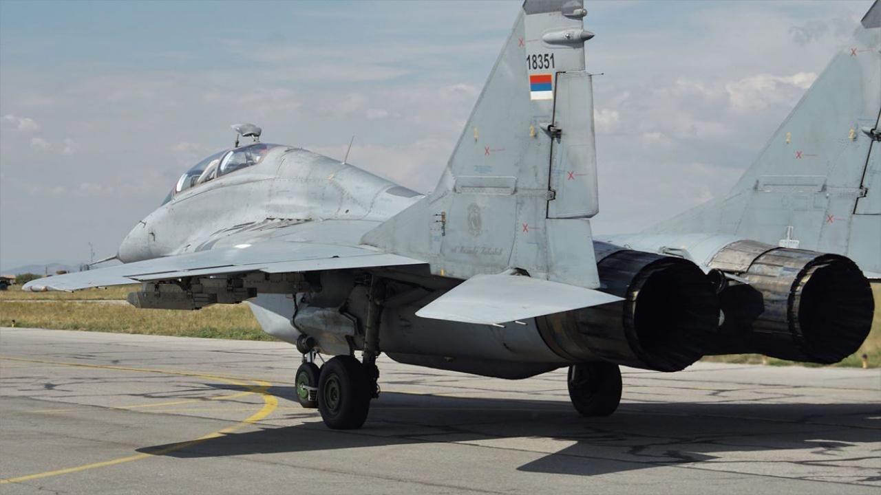 Сръбски екипажи на МиГ-29 се пребазираха в авиобазата в Граф Игнатиево