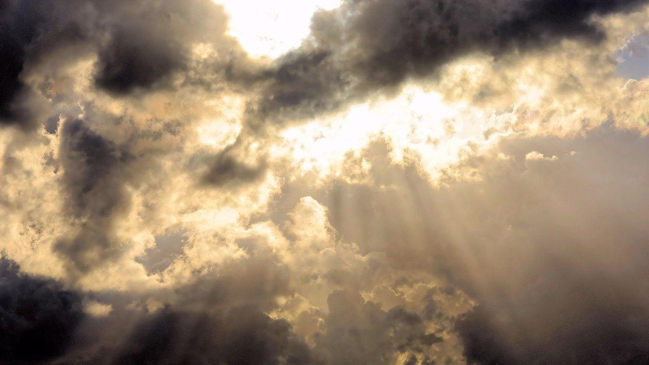 Дневните температури падат още, на отделни места ще превали слаб дъжд