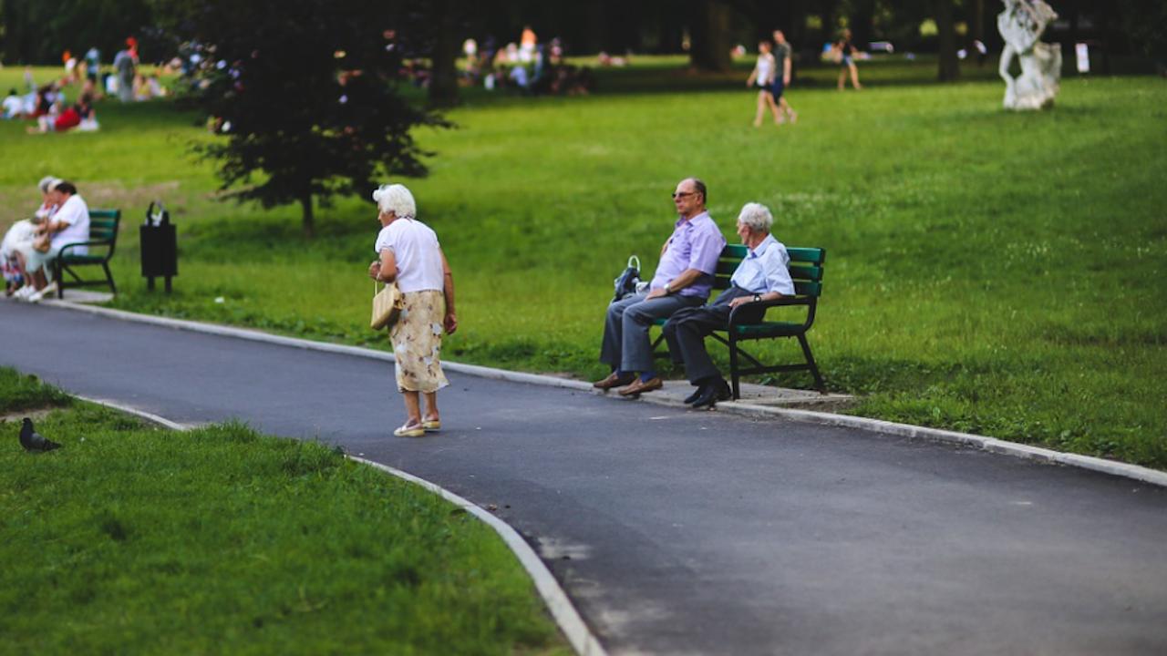 Финансист: Увеличението на пенсиите ще вдигне данъците