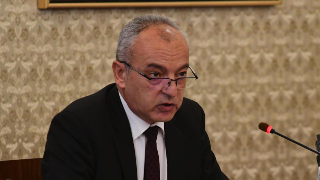 Гълъб Донев: Не се налага вдигане на възрастта за пенсиониране