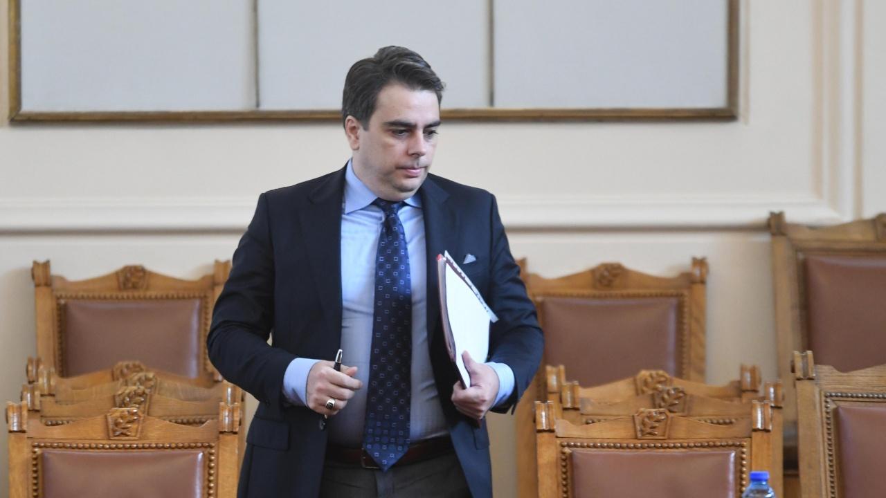 Асен Василев с коментар за повишаването на пенсиите от декември