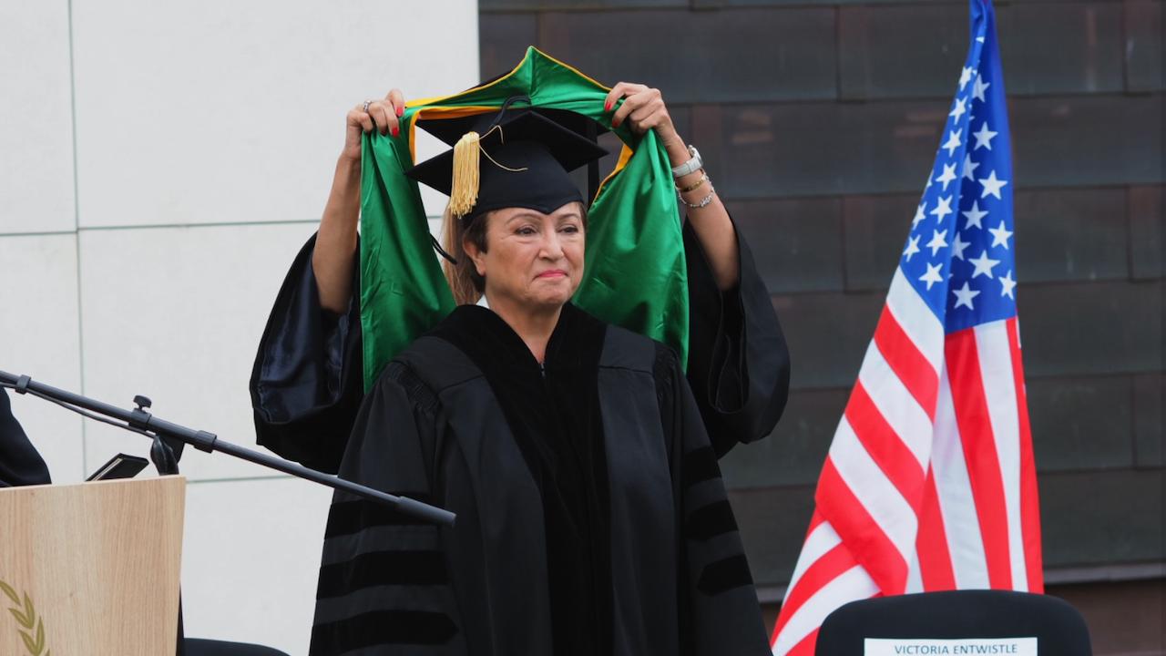 """Американският университет в България връчи почетното звание """"Доктор хонорис кауза"""" на Кристалина Георгиева"""