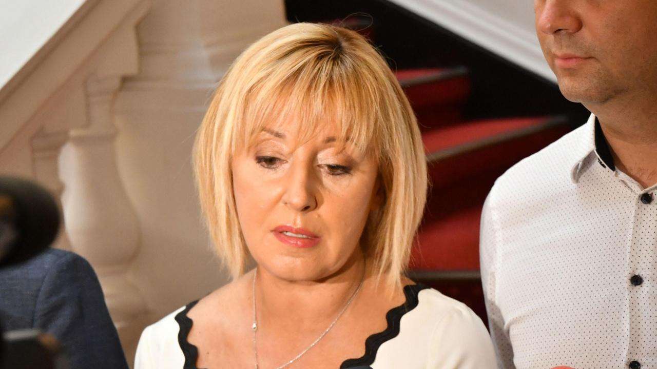 Манолова: Ива Митева нарушава Конституцията с отказа си да свика извънредно заседание на НС