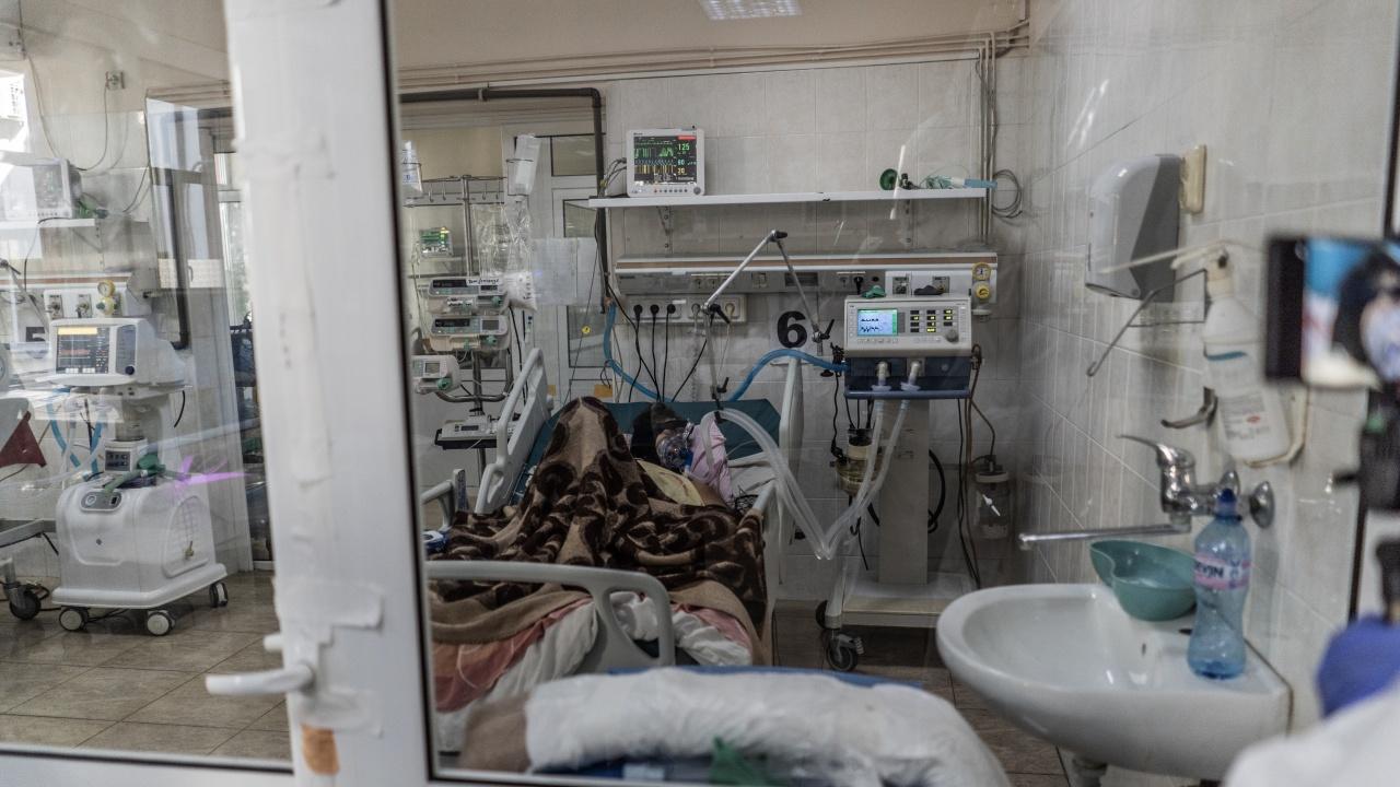 COVID-19 уби нови пет жени и един мъж във Велико Търново