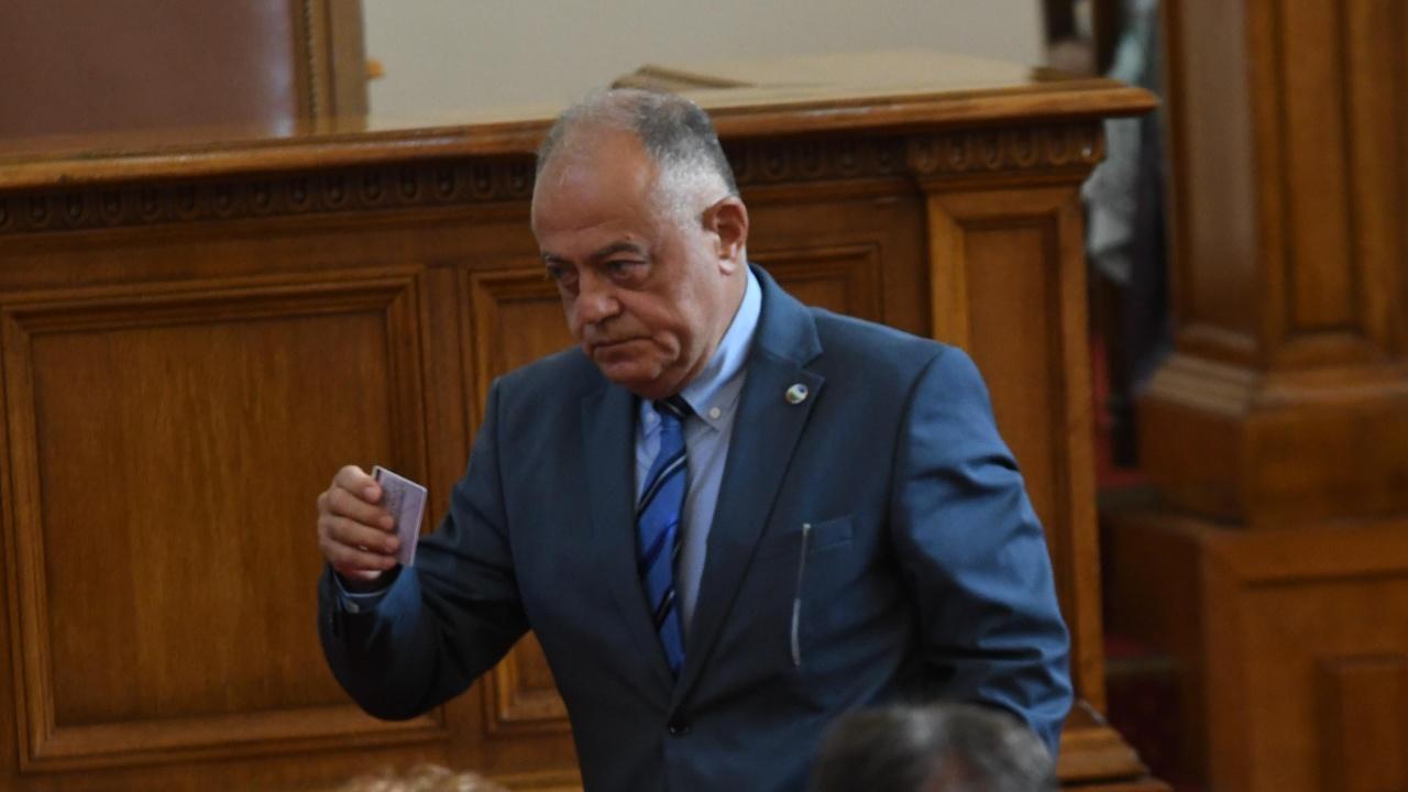 """""""Демократична България"""" предлага извънредно заседание на парламента"""