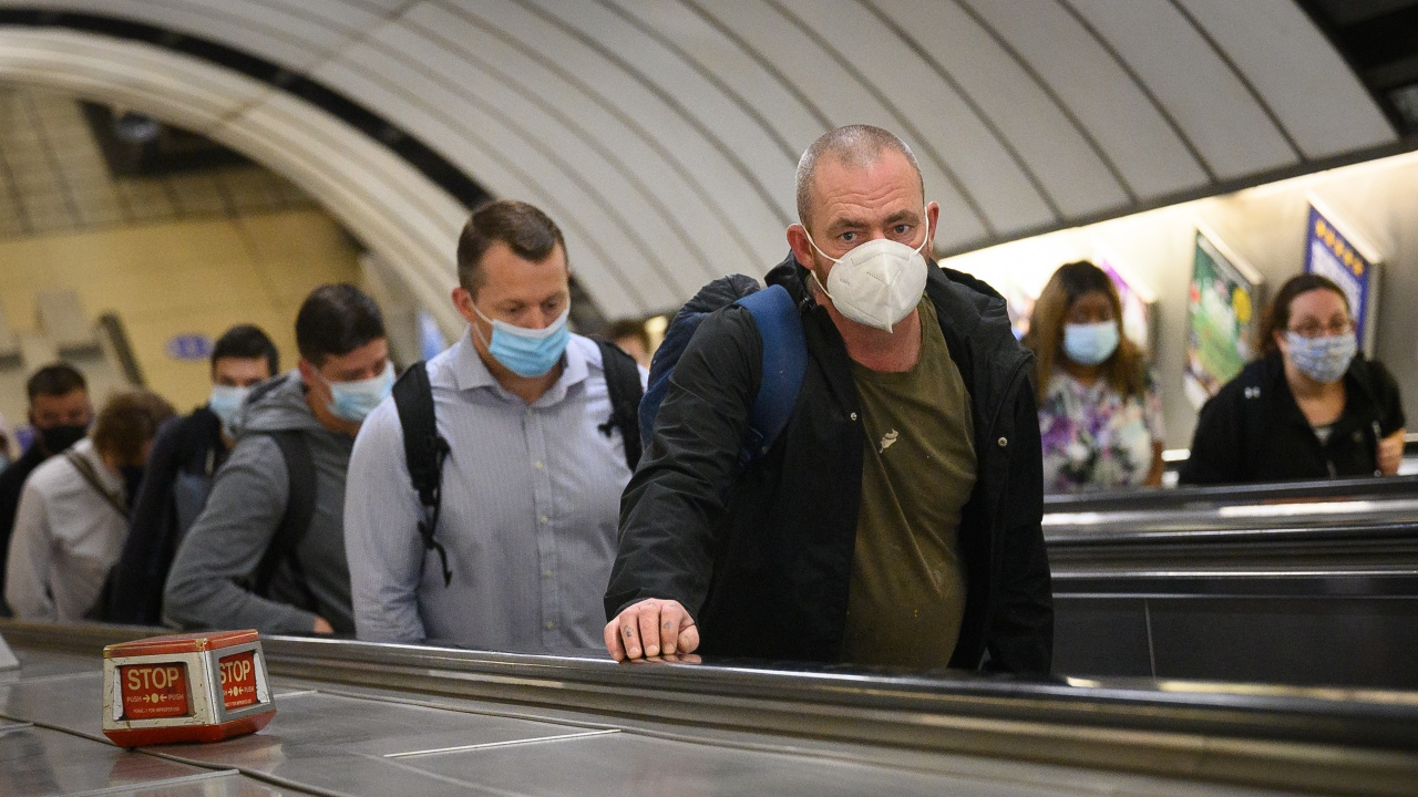 Португалските власти отмениха задължението за носене на маски на открито