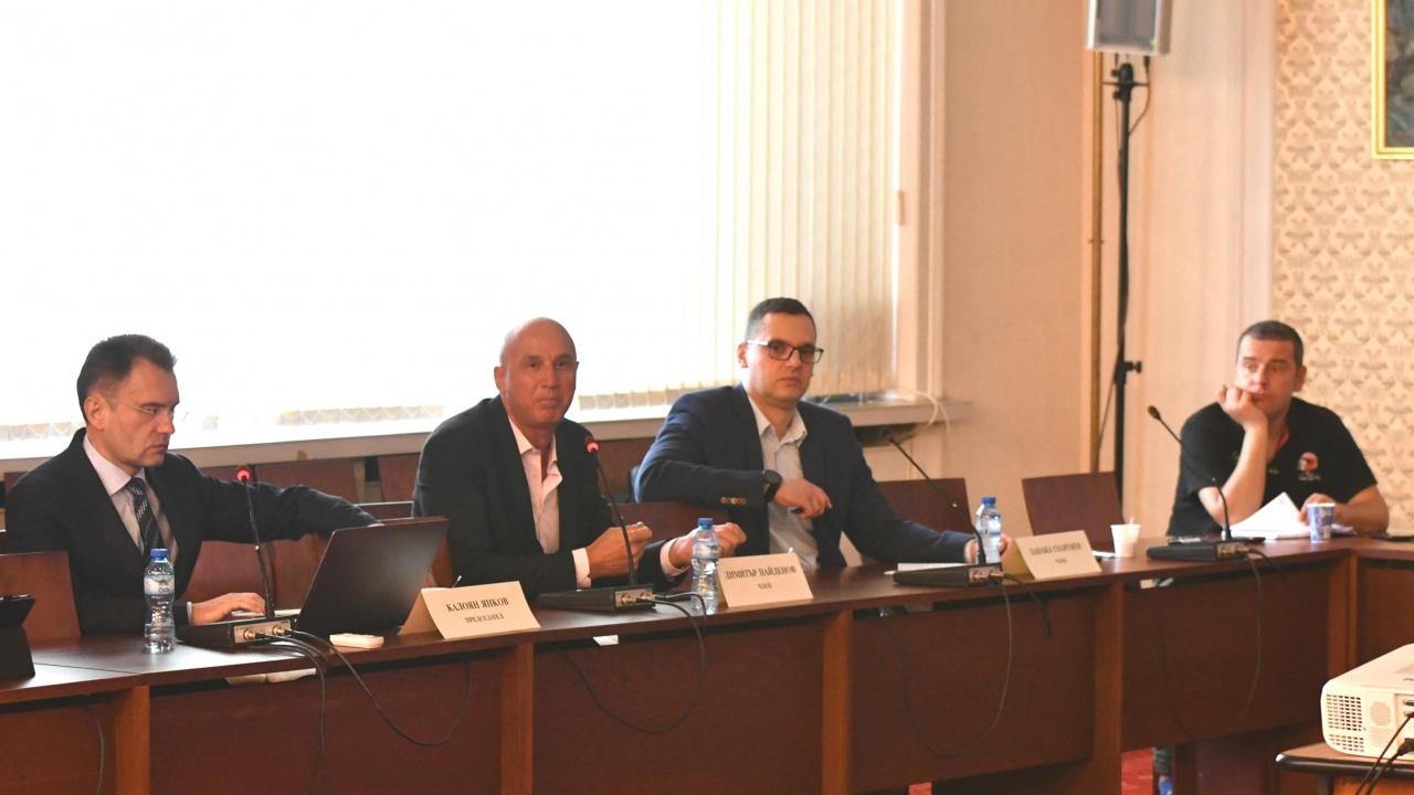 """В Комисията """"Росенец"""" изслушват Ахмед Доган"""