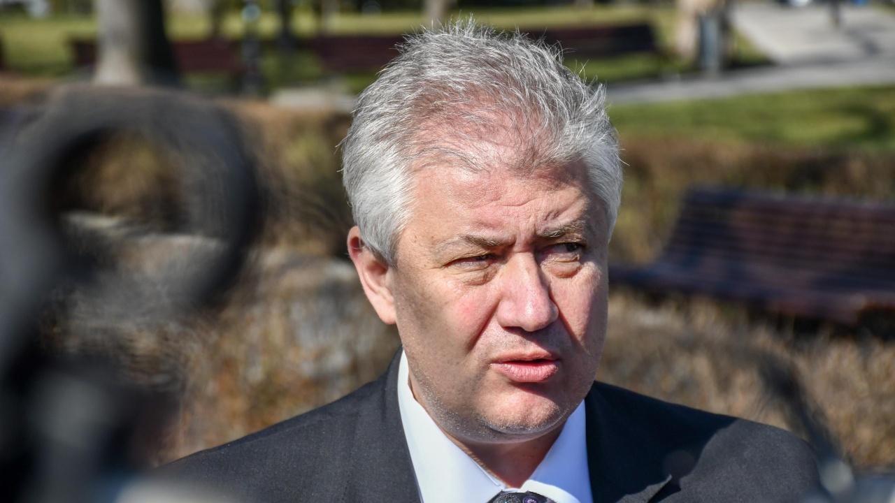 Показаха заповедта за уволнението на проф. Балтов, дължи пари