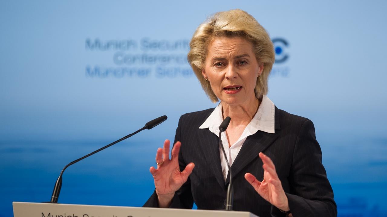 Урсула фон дер Лайен: ЕС се нуждае от политическа воля, за да гради отбранителна политика