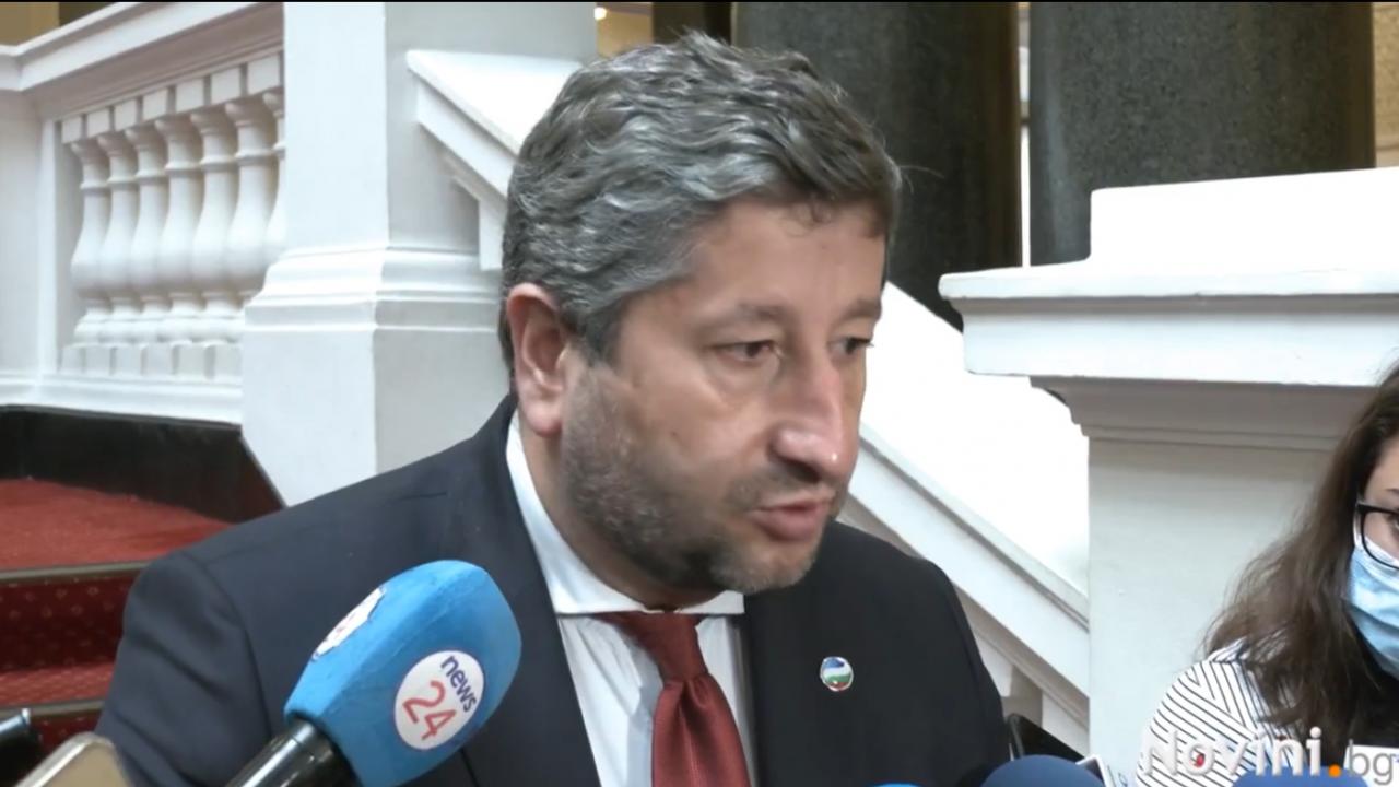 Христо Иванов: Гледаме позитивно на проекта на Петков и Василев