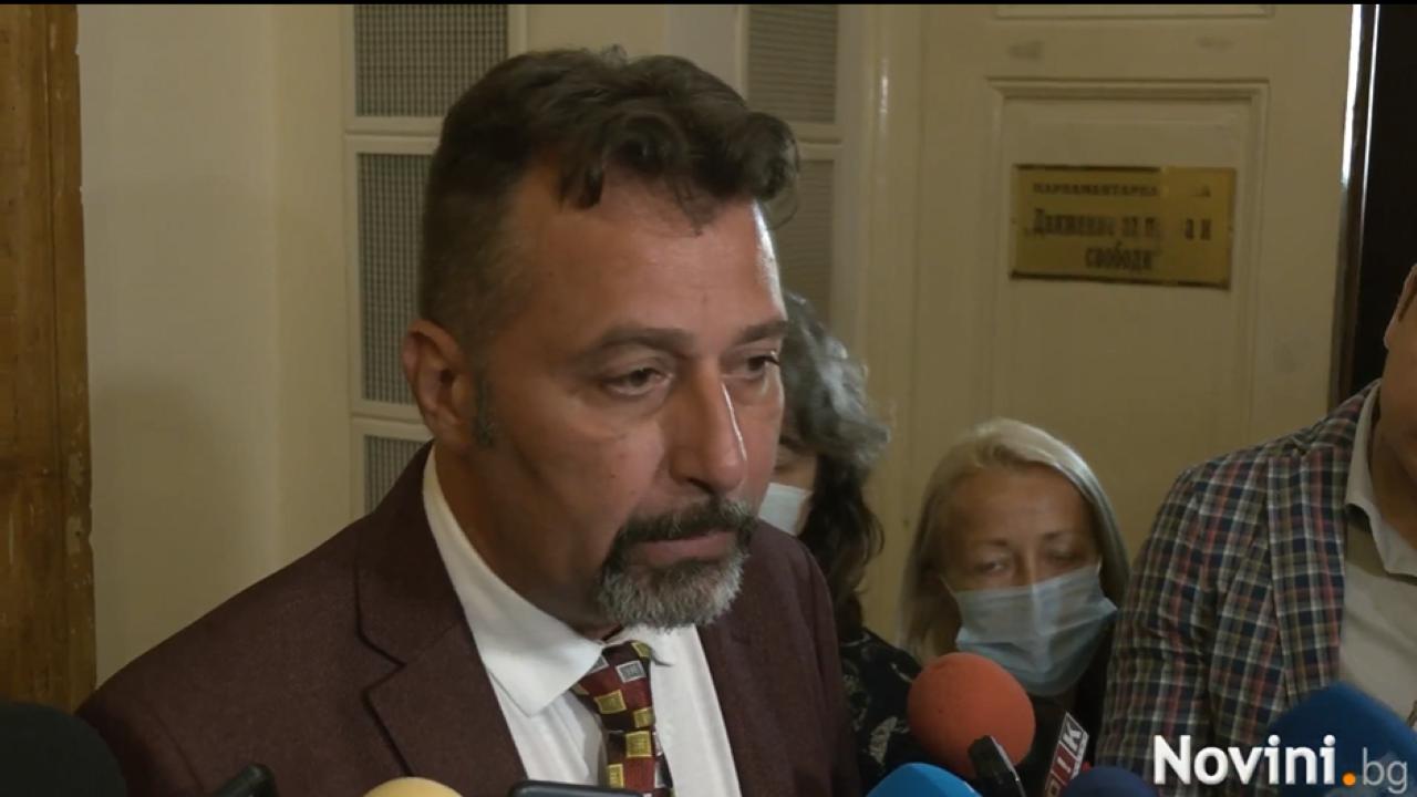 Филип Станев за проект на Петков и Василев: Не ни притеснява нито на йота