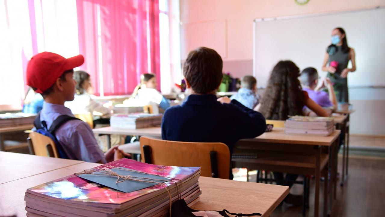 В област Ямбол учебната година започна за близо 10 000 ученици