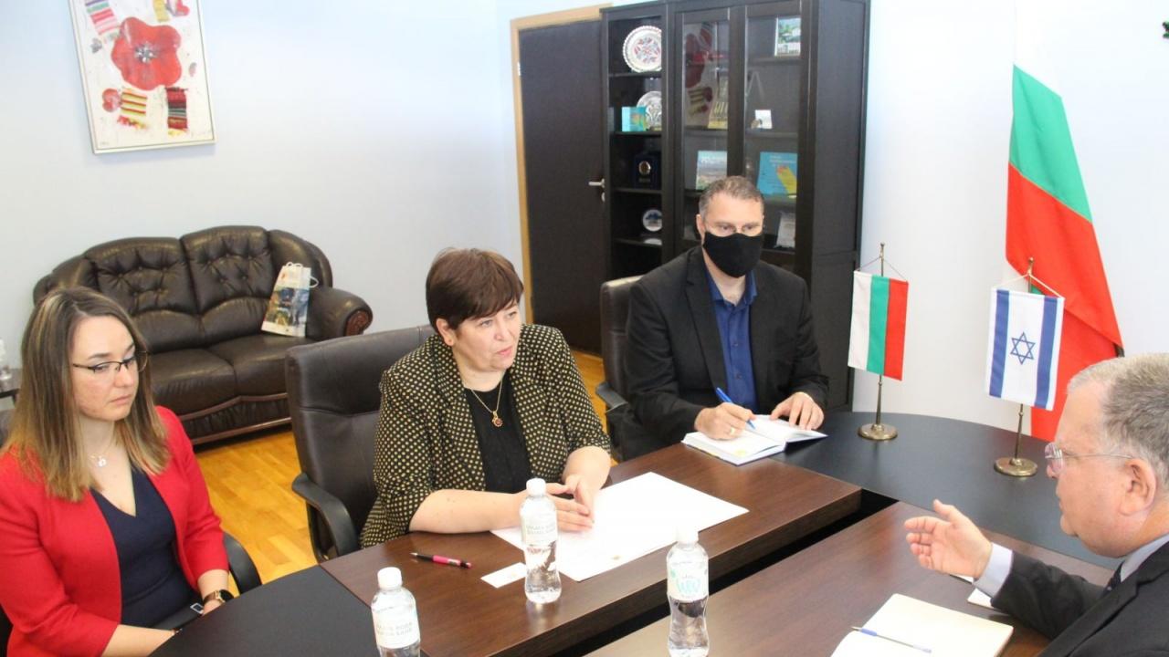 Министър Балтова проведе работна среща с посланика на Израел в София