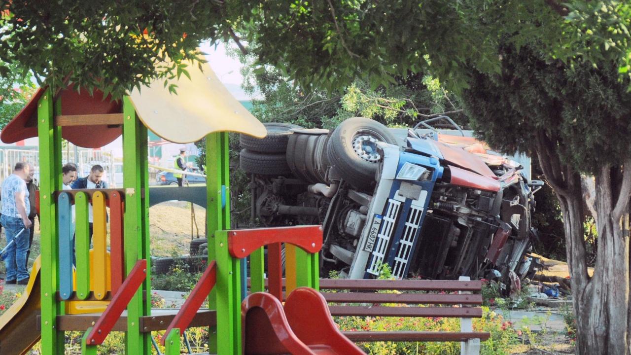 Обявиха резултата от алкохолната проба на водача на камиона, убил трима в Айтос
