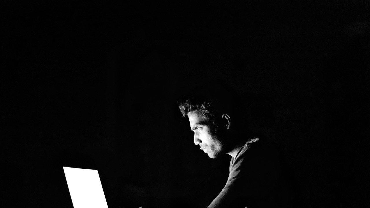 Хакери са откраднали резултатите от 1,4 милиона тестовете за коронавирус в Париж