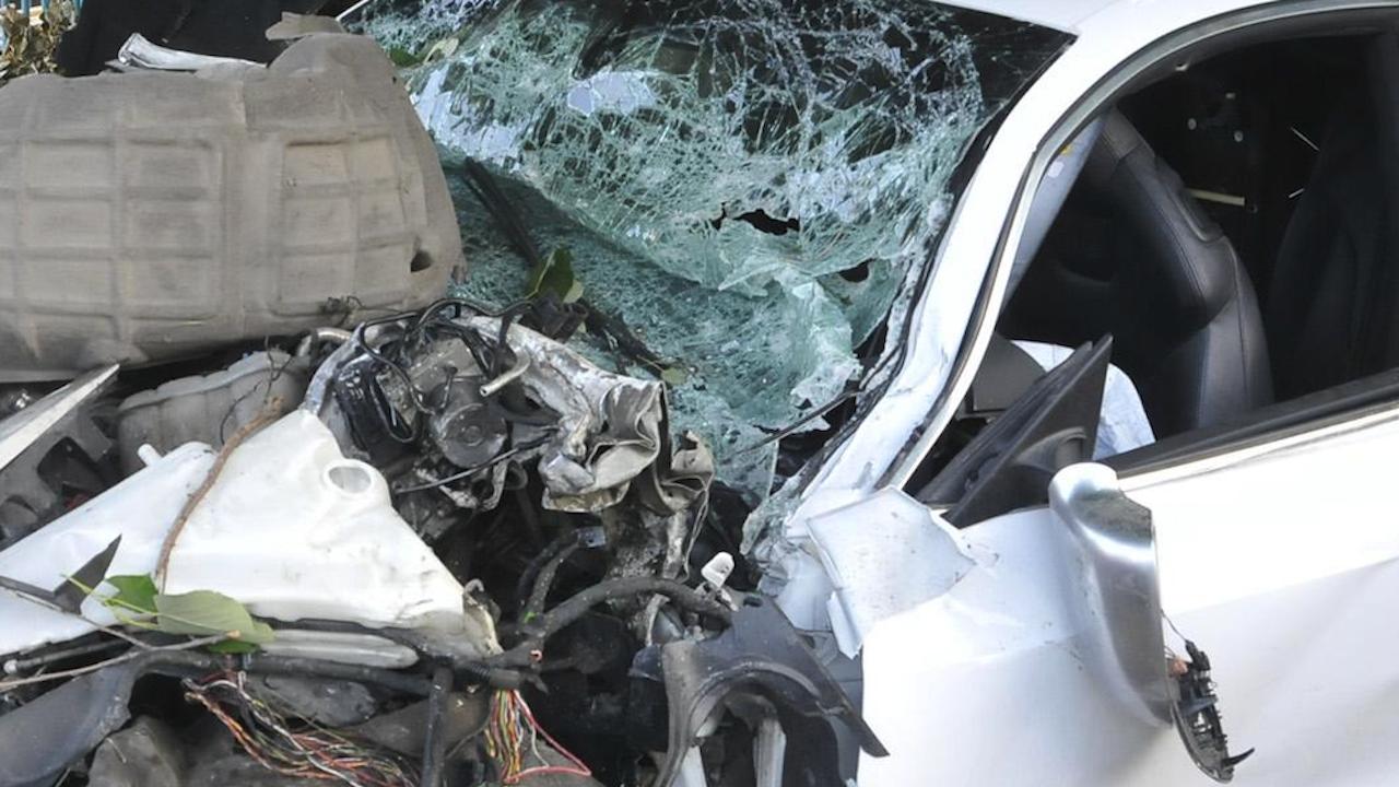 Пияна шофьорка оцеля по чудо в пътно меле