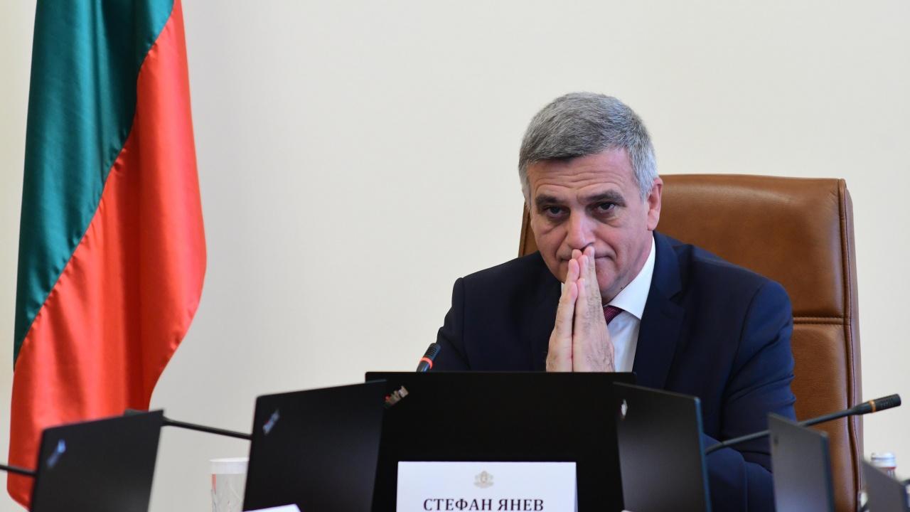 Стефан Янев направи първи рокади в новото служебно правителство