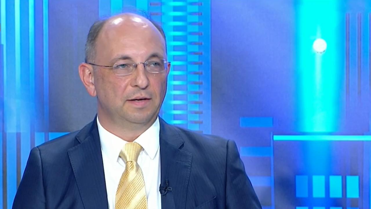 Николай Василев: Увеличението на пенсиите разбива финансовата стабилност в страната