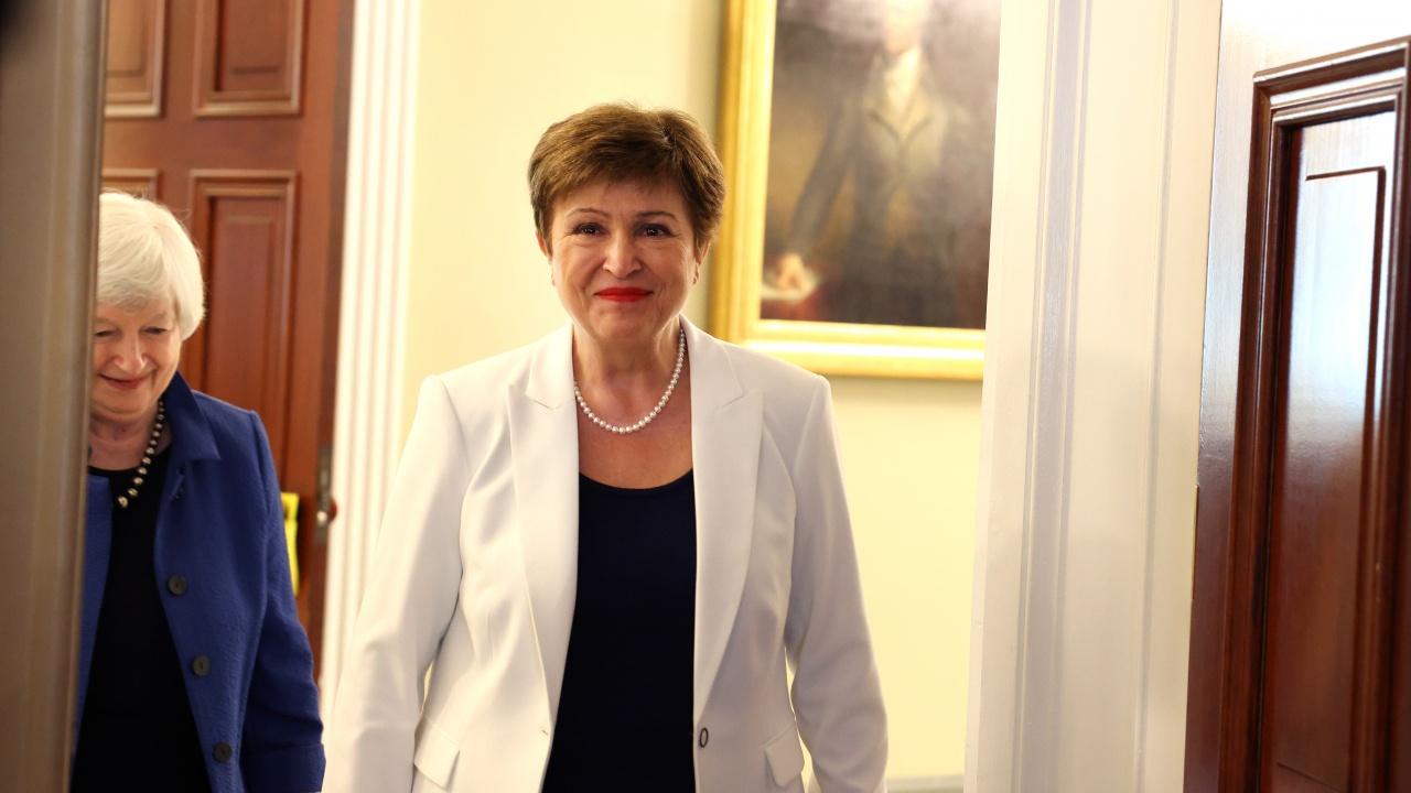 Кристалина Георгиева е представила на еврофинансисти 3 варианта за разпределение на СПТ