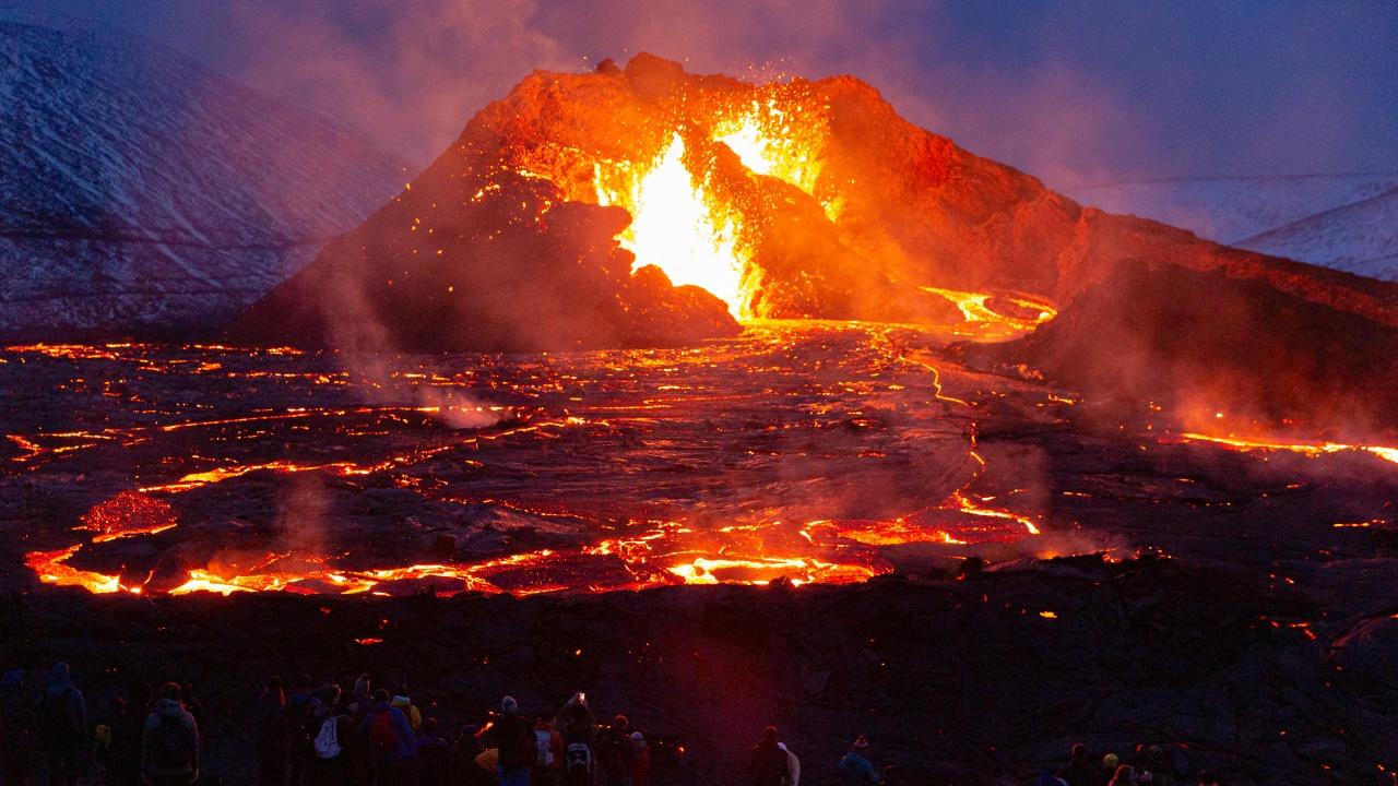 Вулканично изригване в Исландия стана най-продължителното от 50 години