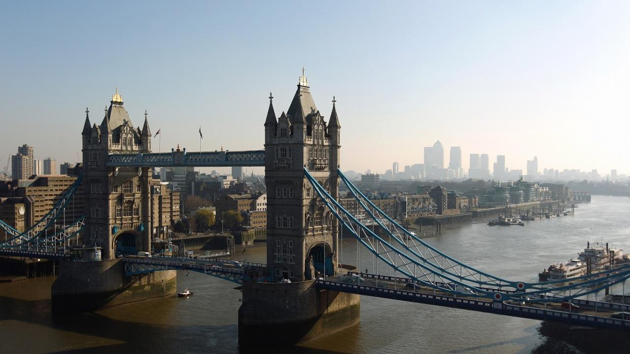 Лондон защити подхода си във връзка със споразумението с Вашингтон и Канбера