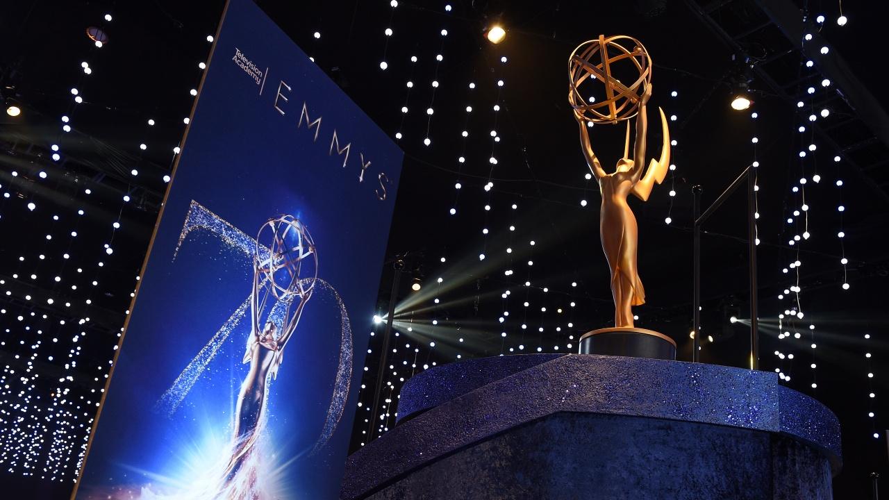 """Церемонията за връчване на 73-тите награди """"Еми"""" в Лос Анджелис започна с отдаване на почит на рапъра Биз Марки"""