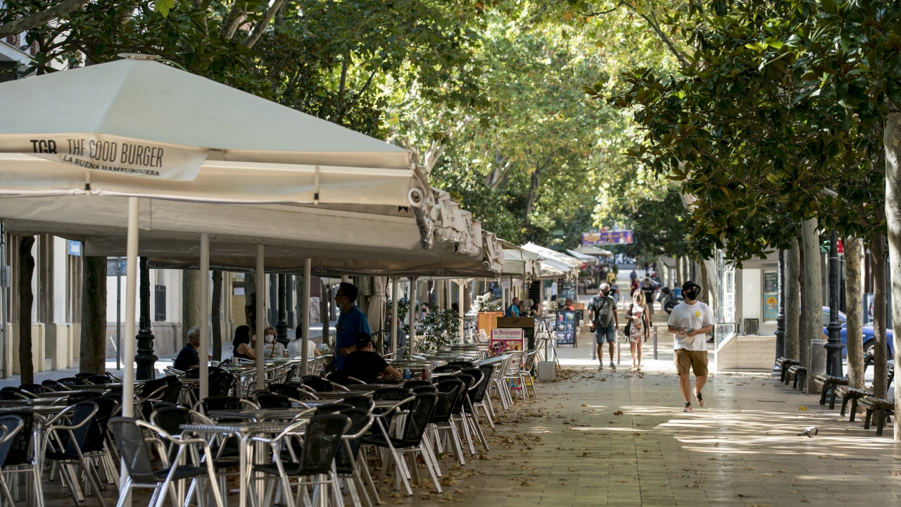 В Испания смекчават ограниченията от днес