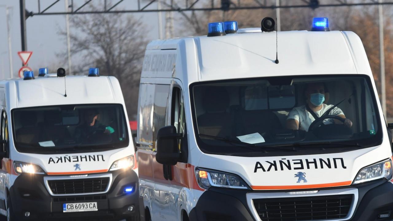 Мигранти са намерени в безпомощно състояние в канавка край Дупница