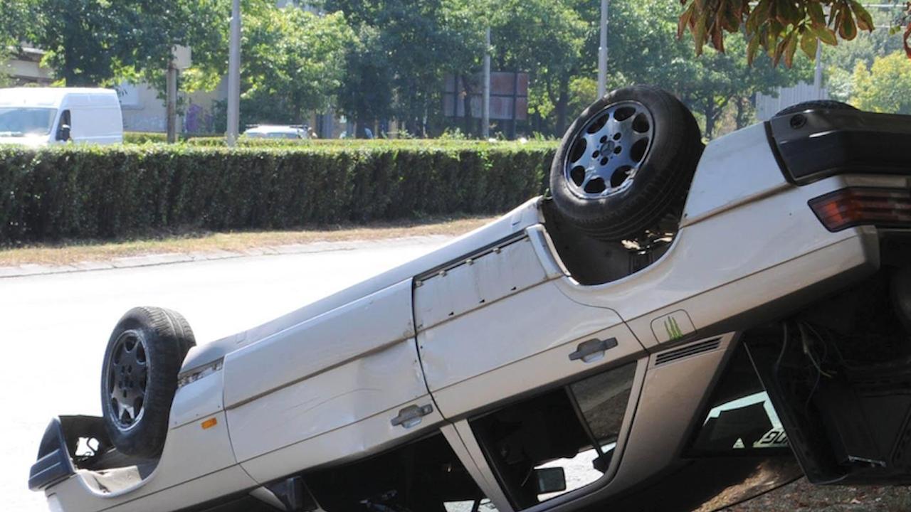 Мъж е загинал при пътно меле в Тетевенско