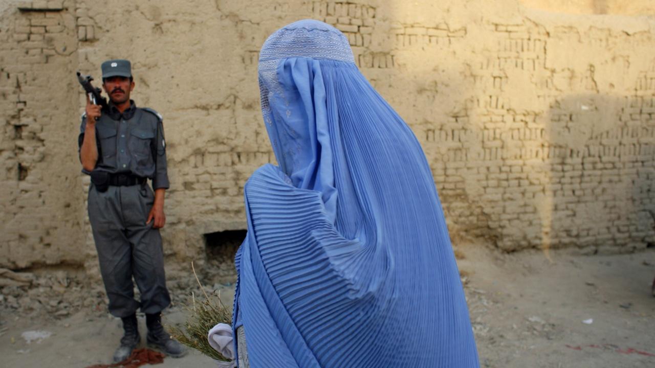 Талибанското правителство увери, че момичетата ще могат много скоро да се върнат на училище