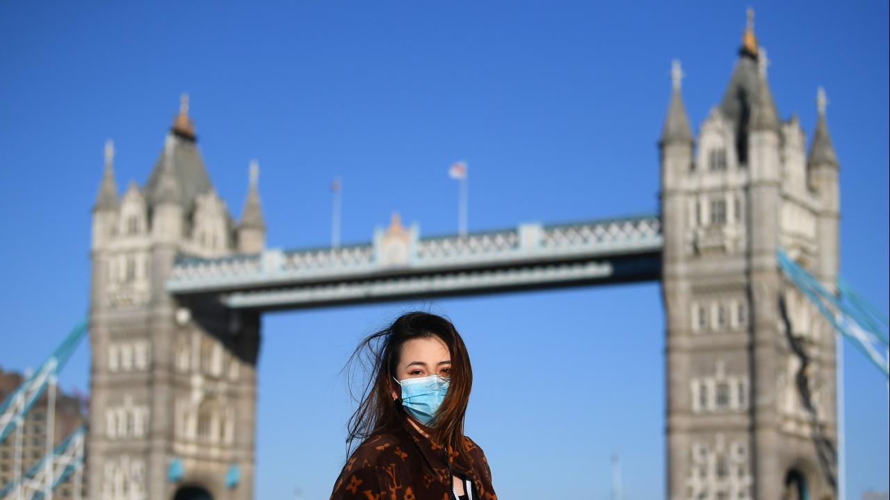 Англия опростява системата за международни пътувания, свързана с пандемията от коронавирус