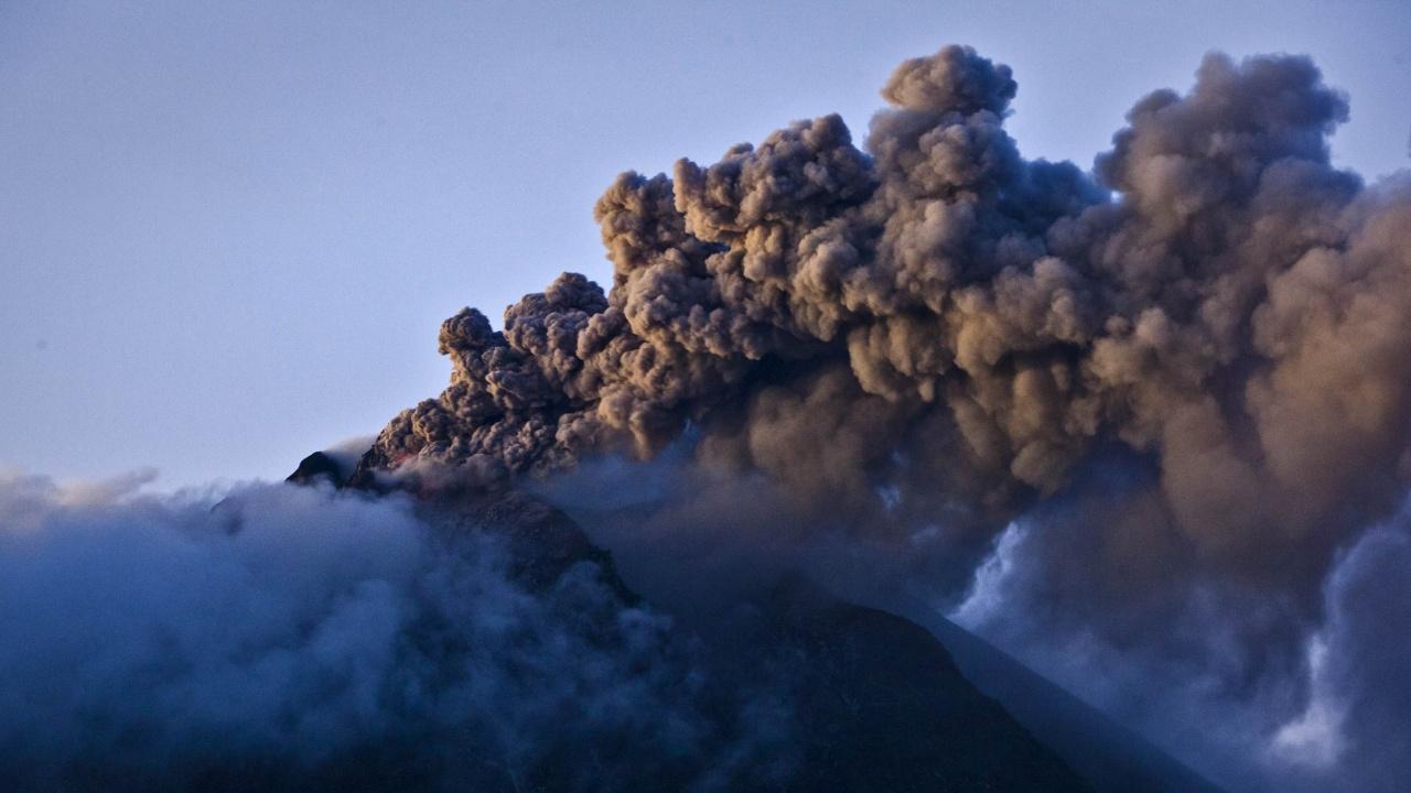 Изригването на вулкана в Испания може да продължи до три месеца