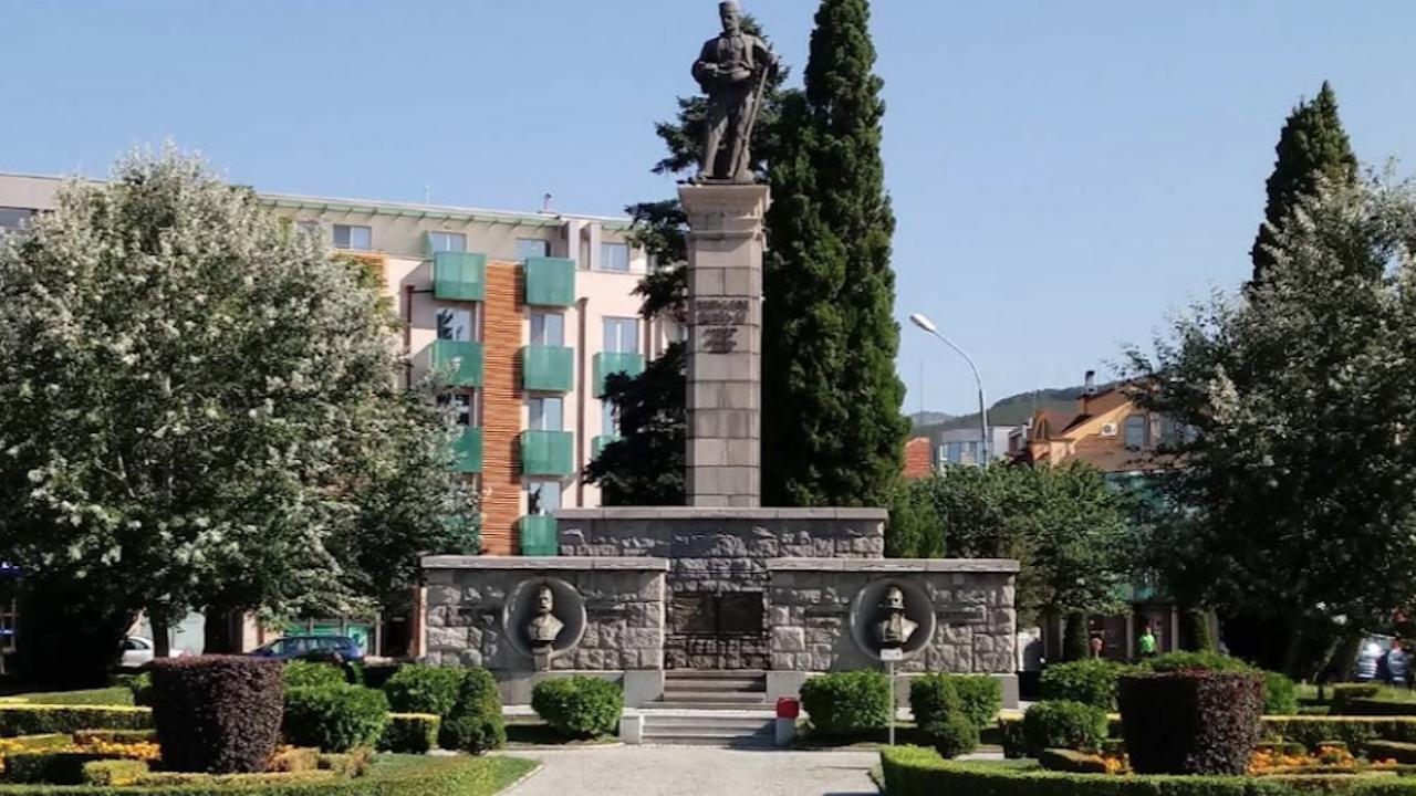 Денят на Независимостта на България в Сливен беше отбелязан с концерт и свободен вход в галерии и музеи
