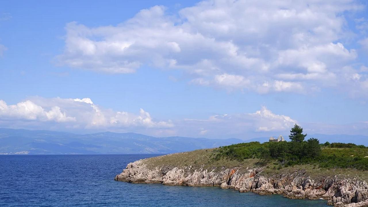 Установиха самоличността на жената, открита на остров Крък