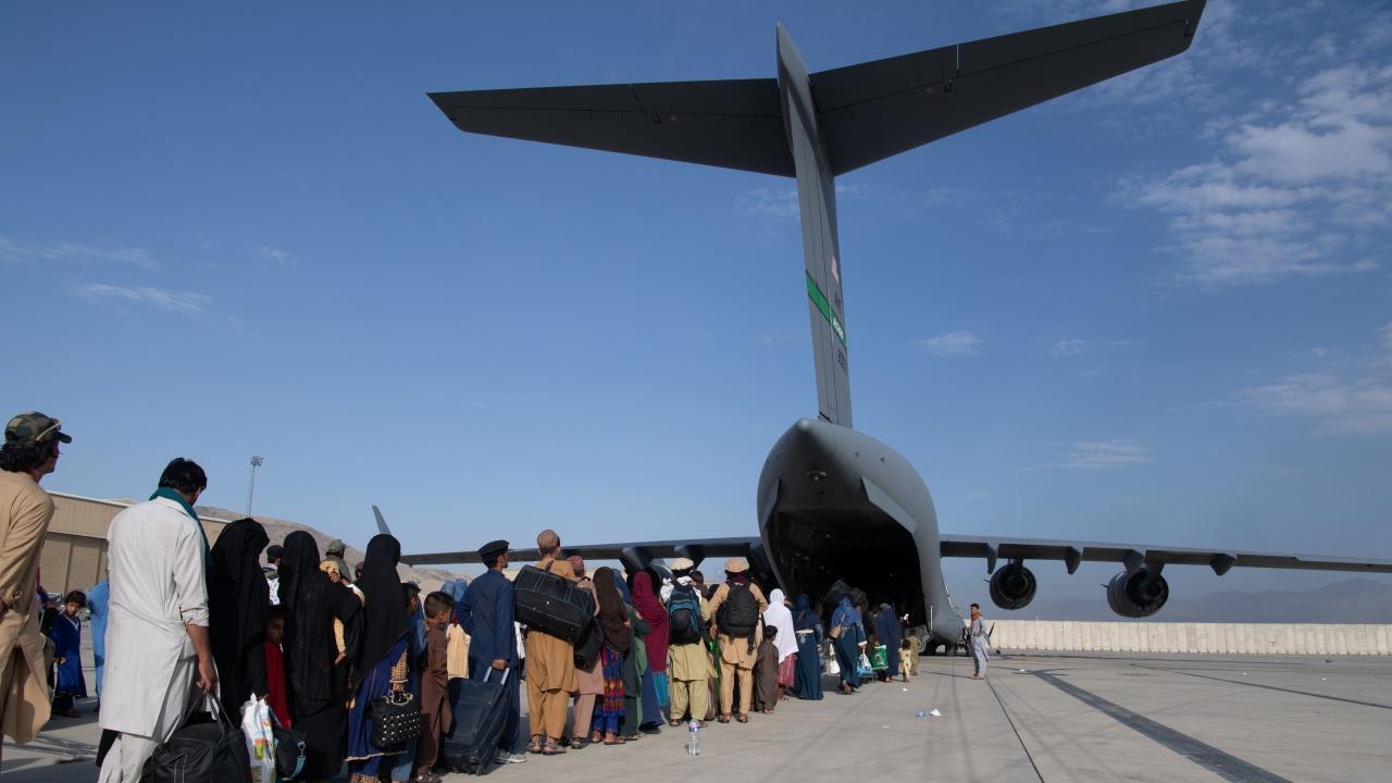 Емотикон е бил кодът за достъп до евакуацията от Афганистан