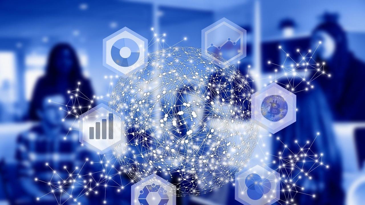 Евробарометър: Европейците твърдо подкрепят науката и технологиите