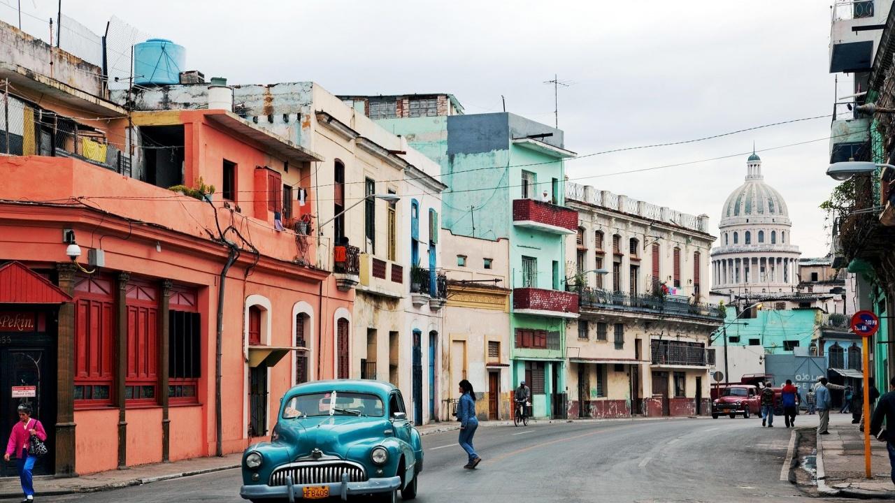 Куба облекчава рестрикциите, въведени заради коронавируса