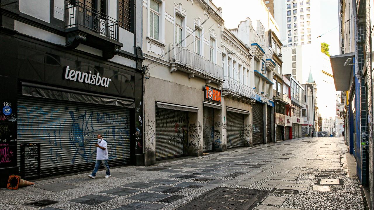 Португалия вдига от 1 октомври почти всички COVID ограничения