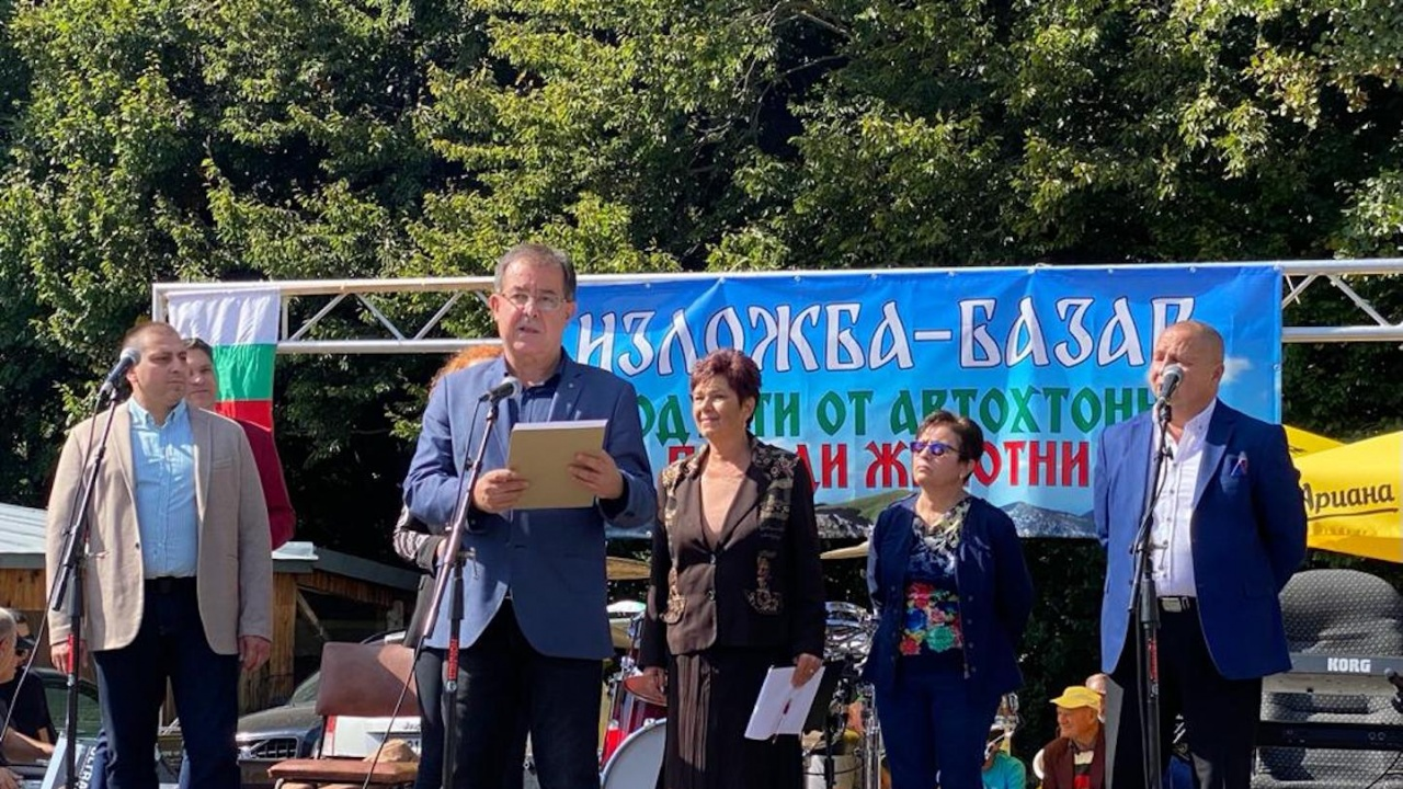 Министър Бозуков: 2 млн. лева допълнително ще получат говедовъдите и овцевъдите